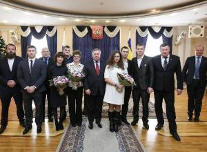 Василий Голубев вручил награды таганрогским паралимпийцам