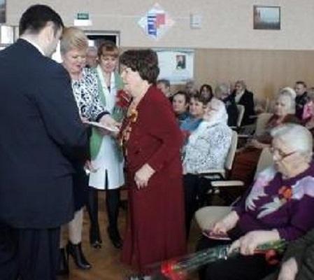 90-летний ветеран ВОВ получила поздравления от Владимира Путина и Василия Голубева