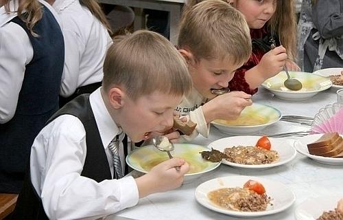 В Ростовской области детей кормили просроченными  продуктами