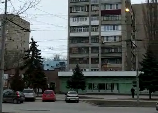 Таганрогские фонари освещают улицы даже днем