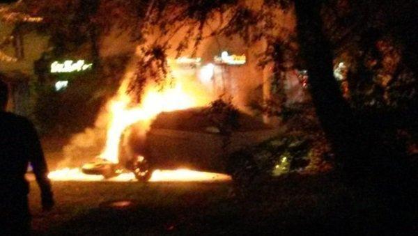 ВТаганроге на100% сгорел автомобиль