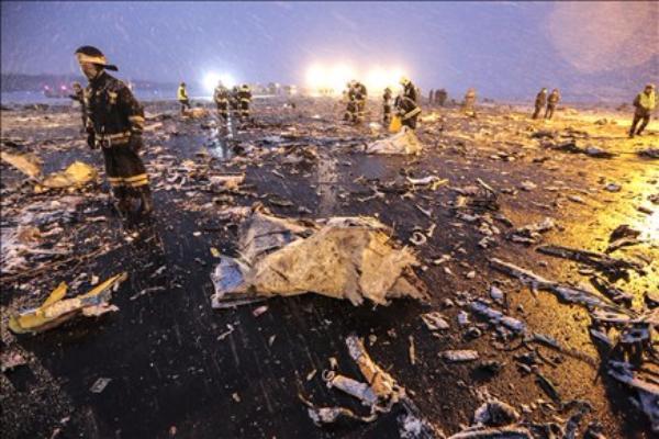 Поисково-спасательные работы на месте крушения авиалайнера в Ростове закончены