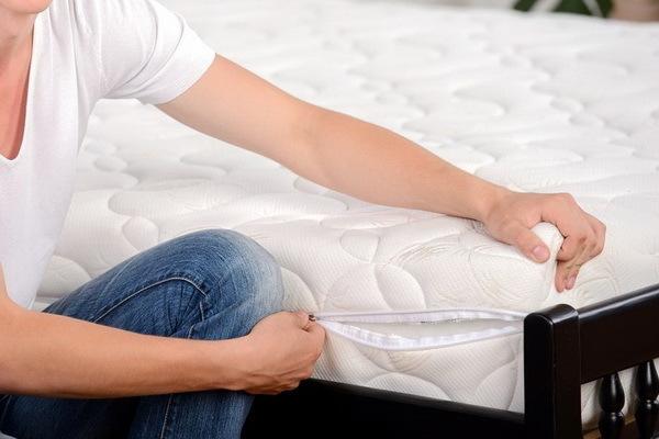 Матрас с ортопедическим эффектом обеспечит комфортное положение тела во время отдыха и сна