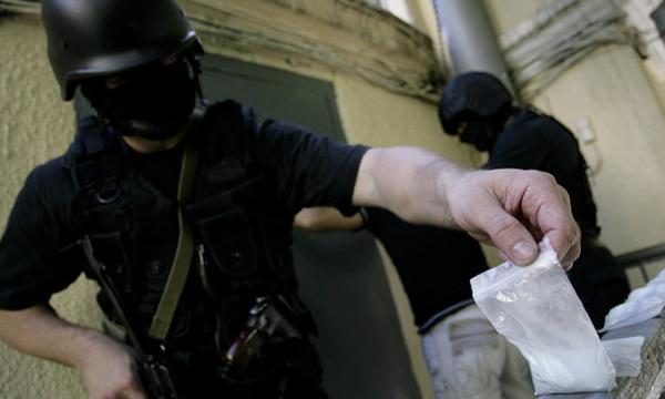 При попытке реализовать 300 граммов синтетического наркотика был схвачен гражданин Ростова