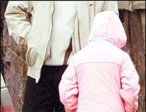 ВСевастополе пенсионер-педофил неодин раз насиловал малолетнюю девочку