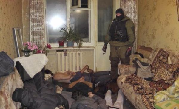 ВТаганроге 32-летний мужчина организовал всвоей квартире наркопритон