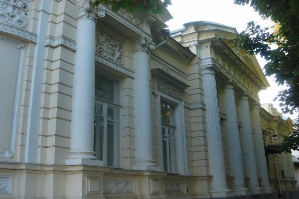 Более 1 миллиона рублей потрачено на мебель в кабинет руководителя «центра реабилитации»