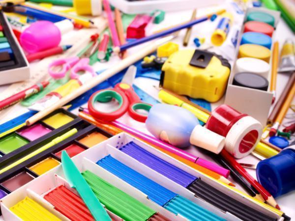 В Таганроге минимальный первичный набор одежды и канцелярии для учащегося обойдется в 10 тысяч рублей