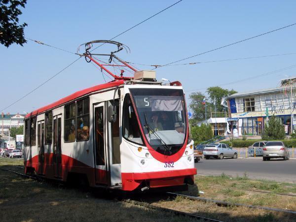 Таганрог: пострадала пьяная женщина, попавшись под трамвай №5
