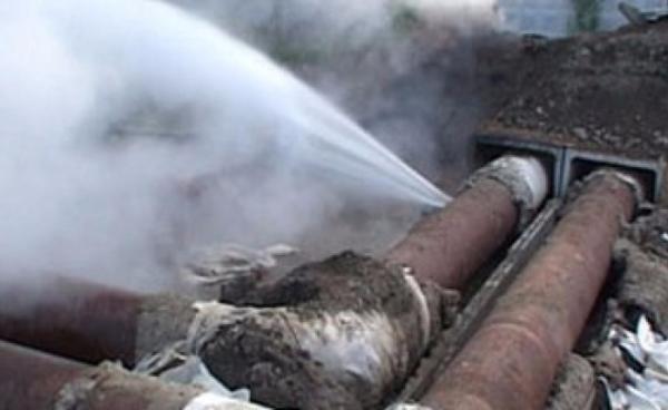 ВТаганроге из-за дорожной аварии без тепла остались 118 многоквартирных домов