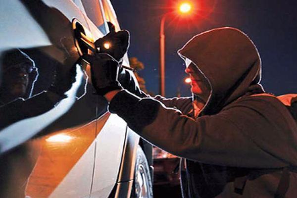 В Таганроге у сотрудника частной охраны угнали автомобиль
