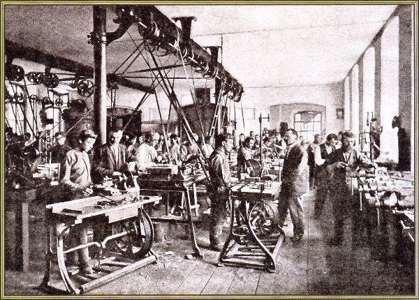 119 лет назад в России ввели выходные и праздничные дни