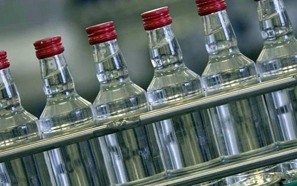 ВТаганроге полицейские отыскали вгаражах нелегальный алкогольный цех
