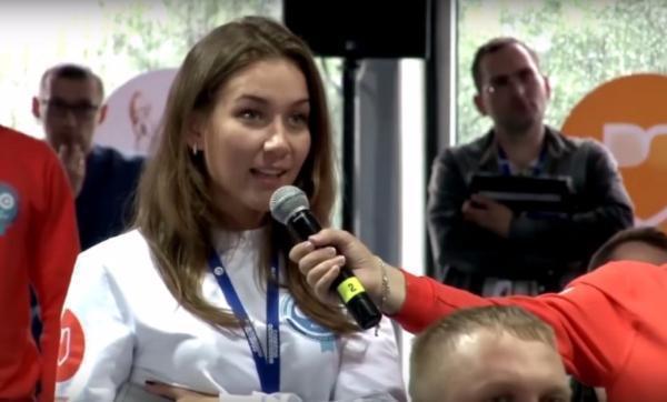 «Единую Россию» призвали уволить лидеров «молодежки», нахамивших девушке из-за айфона