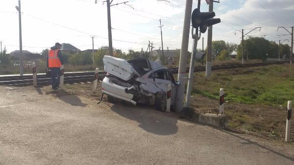 Электричка столкнулась синомаркой вНеклиновском районе