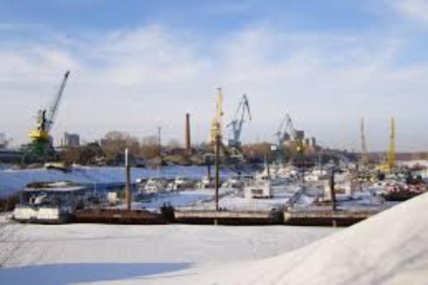 В порту Таганрога обеспечили ледокольную проводку 25 судов
