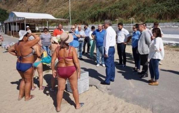 Народные избранники Таганрога посетили городские пляжи