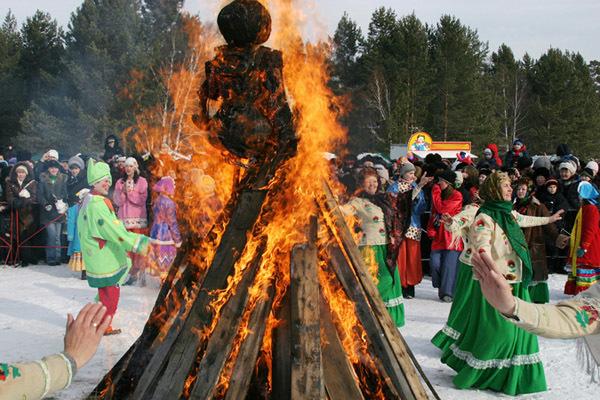 Жителям Таганрога предлагают широко отметить Масленицу