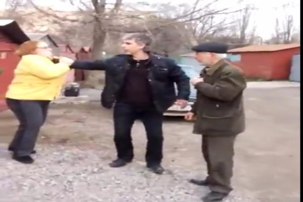 В Таганроге председатель гаражного кооператива напал на женщину
