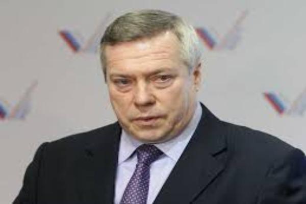 Василий Голубев взял под контроль капитальный ремонт многоэтажки в Таганроге
