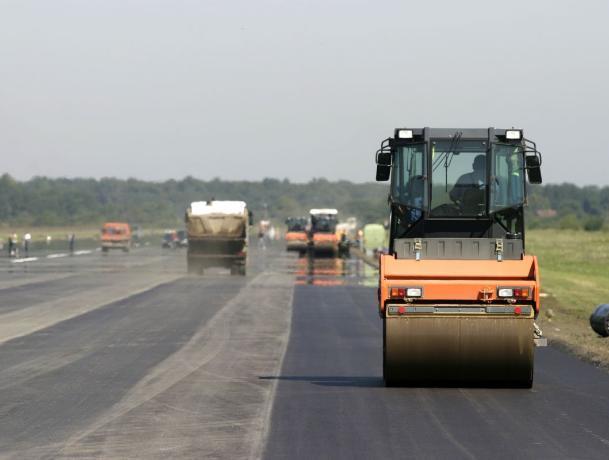 Фирма депутата единоросса выиграла тендер на ремонт трассы под Таганрогом