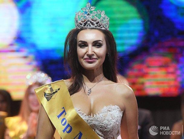 Мама двух детей из Таганрога победила в конкурсе «Top Model PLUS»