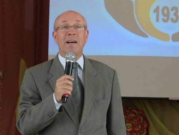 «Заслуженный учитель России» уволен новоявленной  бывшей директоршей детдома  за  письмо к Д.Медведеву