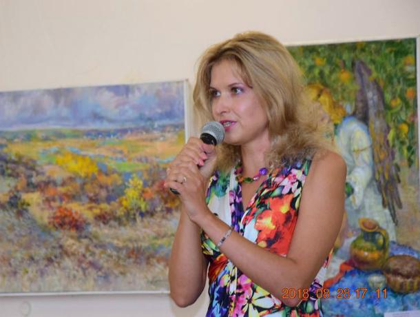 В Таганроге прошел концерт поэтессы и певицы Елены Седовой