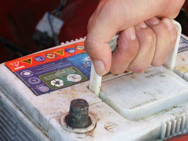 В Таганроге  задержали местного жителя за кражу автоаккумулятора