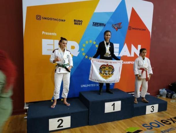Таганроженка заняла второе место на крупных соревнованиях по панкратиону