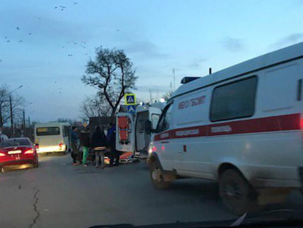 Скутер и  Hyundai Accent  не поделили дорогу в Таганроге