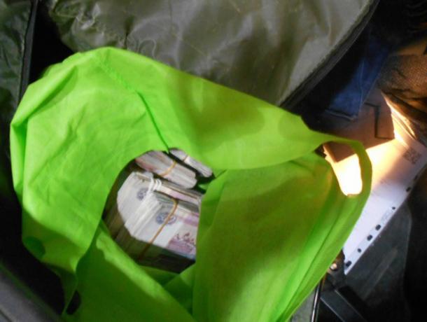 Скрытный краснодарец   лишился более 2-х миллионов рублей  на посту Таганрогской таможни