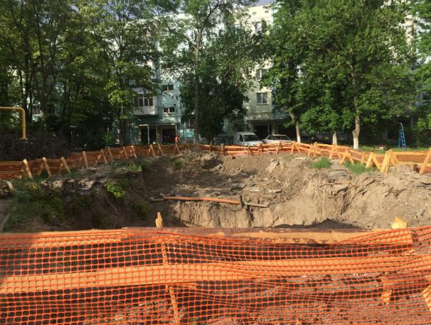 В Таганроге  объявили о ближайшем окончании ремонта коллектора в двух местах