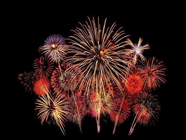 Таганрогу предписано в новогоднюю ночь сидеть тихо -  никаких фейерверков