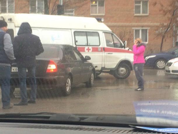 Скорая везла пациента в БСМП и попала в аварию в  Таганроге