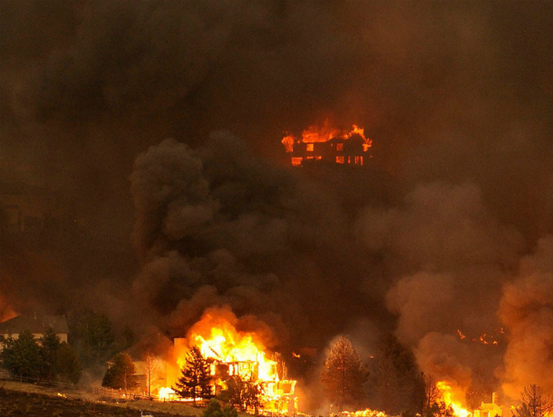 Страшный пожар в Таганроге, сгорело много зданий(ВИДЕО)