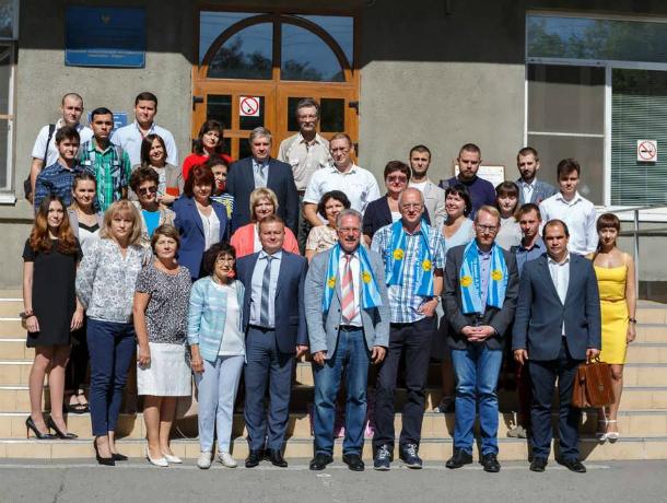 Делегация немецкого города-партнера знакомится  с учебными заведениями Таганрога
