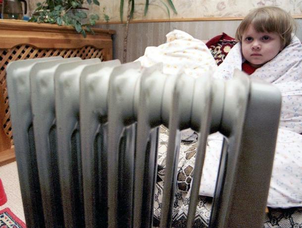 Жители дома по улице Чайкиной пожаловались на отсутствие отопления