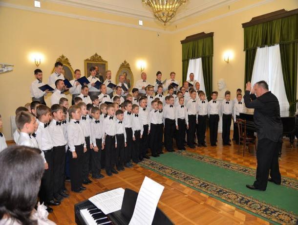 Таганрогский хор мальчиков покорил зрителей