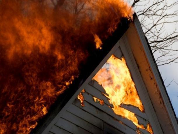 В пожаре под Таганрогом погиб человек