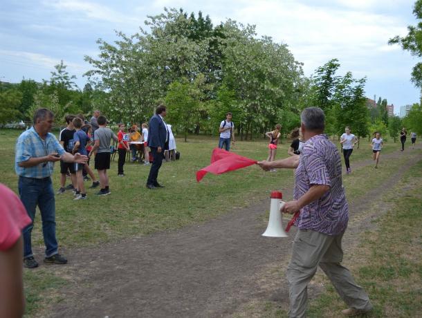 Таганрогские школьники  бежали во имя Года детского спорта