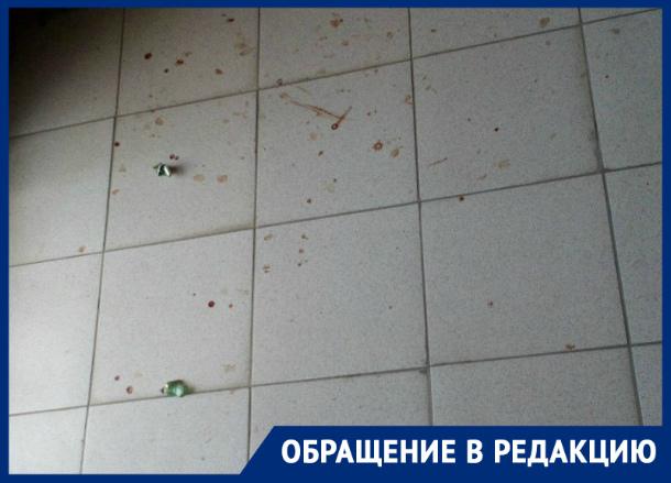 Кто в Таганроге  уберет подъезд после пожара, УК  отказывается, говорит  «все по графику»