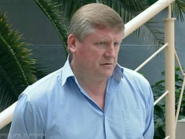 Два года поселения для депутата Гревцева запросил прокурор Таганрога