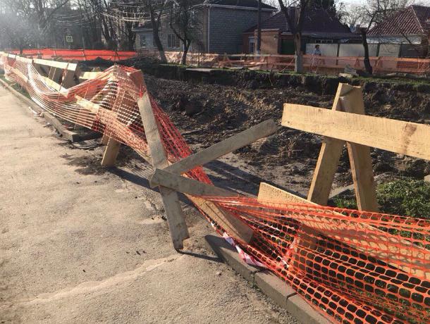 В Таганроге  работы по восстановлению участков самотечного коллектора продолжаются