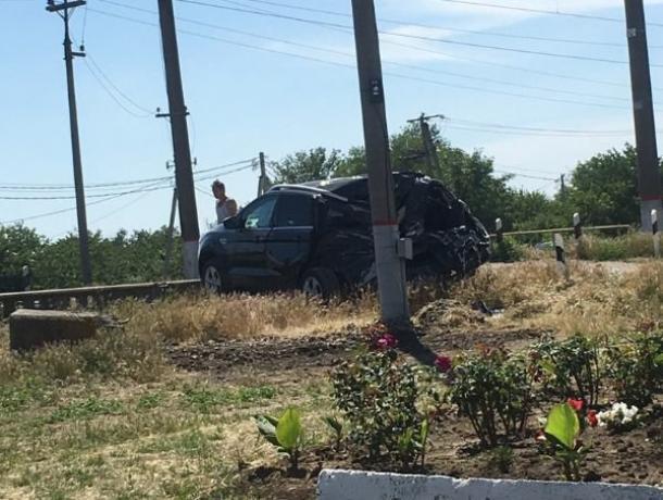Электричка протаранила Ford под Таганрогом