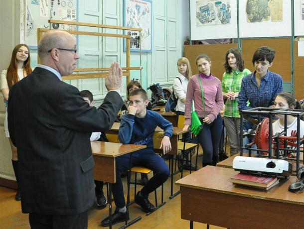 Ростовский след в деле об уволенном в Таганроге учителе, написавшем жалобу в Кремль