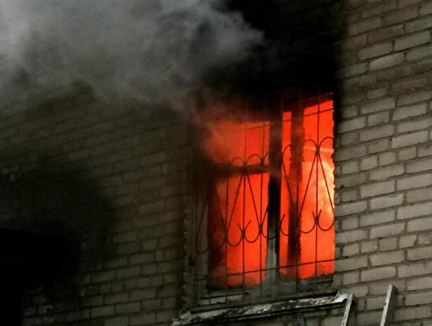 При пожаре в Таганроге спасен один человек