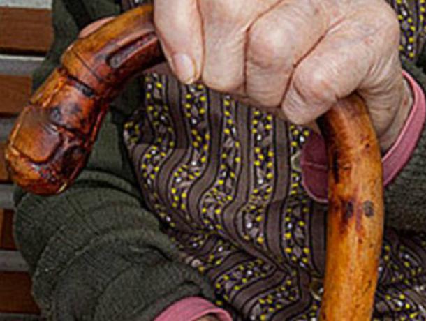 Задушили из-за 3000 руб.: вРостове заубийство пенсионерки осудили 2-х подруг