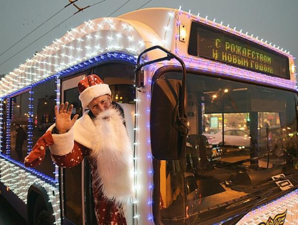 Автобусы в Таганроге в ночь на Рождество будут работать дольше обычного