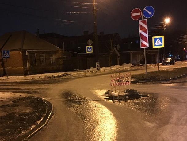 Таганрогские автомобилисты предупреждают об опасном люке на улице Энергетической